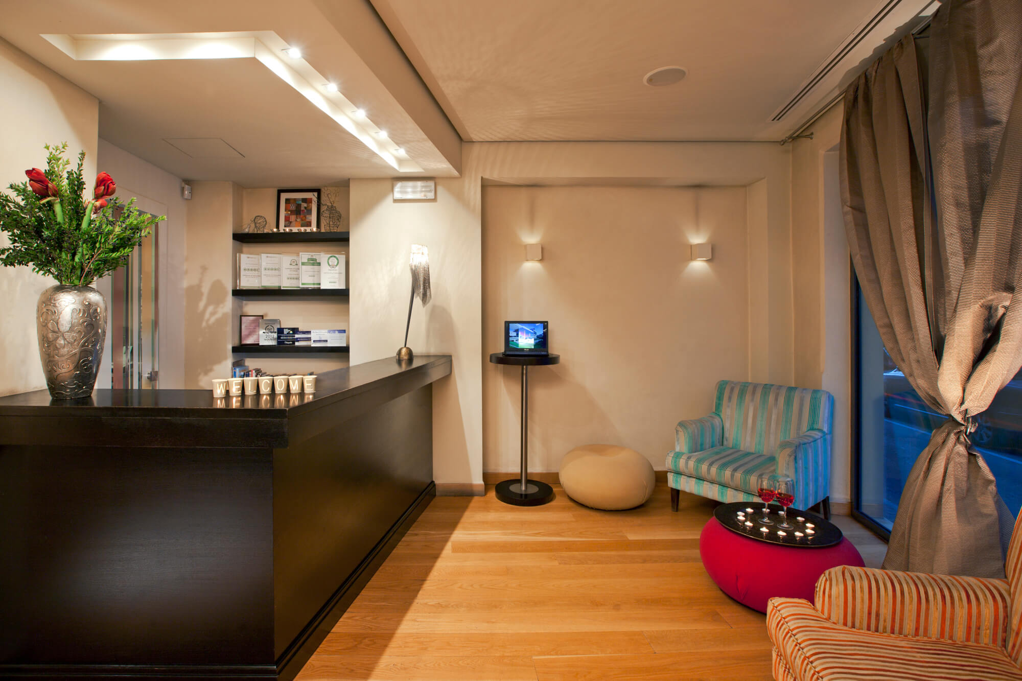 O b athens boutique hotel hotels in athens travel to for Boutique hotel athenes