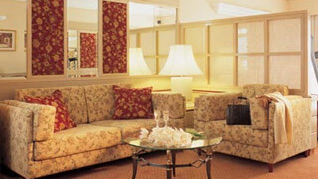 Holiday Suites