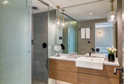 Blend Hotel Rooms' Bathroom